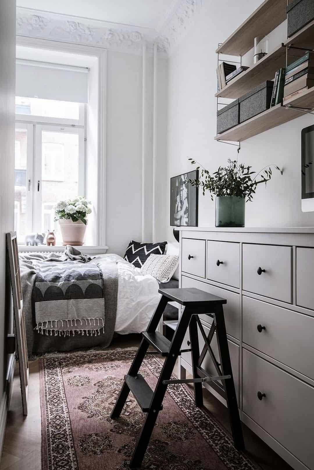 Cozy Small Bedroom Tips 12 Ideas To Bring Comforts Into Your Small Room  Futurist Architecture