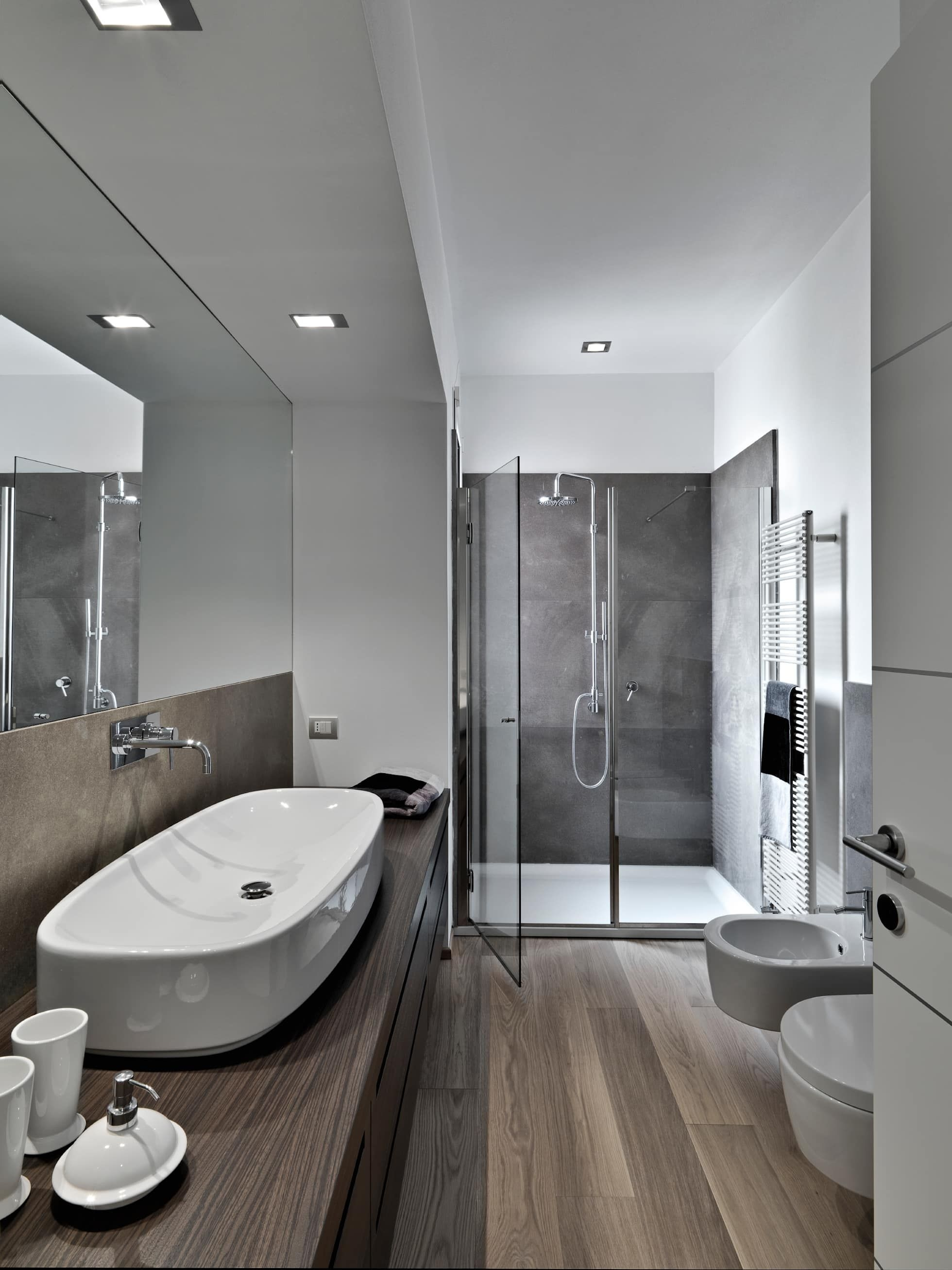 Modern Grey Bathroom Modern Bathroomgracious Luxury Interiors Modern  Bathroom Design