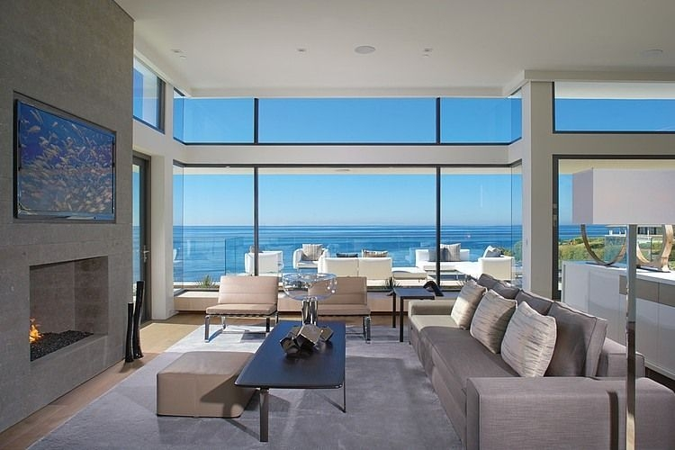 Rockledge Residence With Beautiful Skyline Ocean Views And Interior Design
